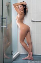 http://img23.imagetwist.com/th/09376/iuxzojeturlf.jpg