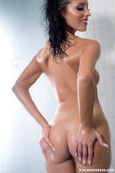 http://img23.imagetwist.com/th/09376/ranz1x91ijn2.jpg
