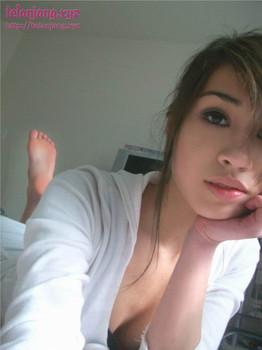 Foto bugil cewe cantik blasteran indo jerman yang mulus, seksi dan sangat hot Versi Komplit