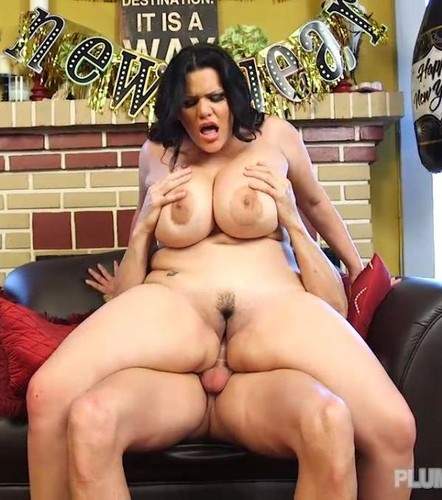 Angelina Castro – Plumper Pass   New Year Pounding  Busty Latina 720p